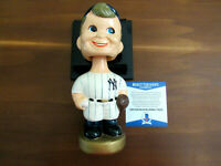 BOBBY SHANTZ 1958 WSC NEW YORK YANKEES PITCHER SIGNED AUTO BOBBLEHEAD BECKETT