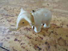 Ancien élèphant en plastique Blanc Breba 8 cm