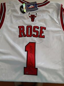 Derrick Rose autographed MVP 2011 White Bulls Jersey With Rose Official Hologram