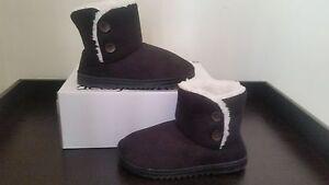 NEW Women's Dearfoams Indoor/Outdoor Slipper Bootie - Black with White Faux Fur