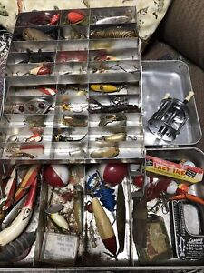 ANTIQUE fishing Tackle box Lure VINTAGE lures Heddon lazy ike creek chub unknown
