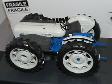FORDSON COUNTY 4WD High Detail Tractor Universal Hobbies Limited 1/16 Super 4