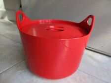 Timo Sarpaneva for Rosenlew enameled cast iron casserole pot in red no handle