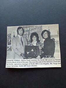 DONNA FARGO...Receives The KLAC-AM Award Original Print Promo Pic/Text