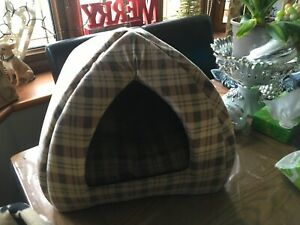 SMALL DOG OR CAT COMFORTABLE BED