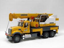 Bruder Mack Granite Liebherr crane truck 02818 Wrecker