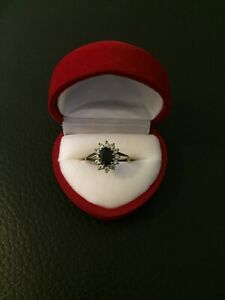 Womens 9ct Gold Ring With Real Diamonds Size N 1/2