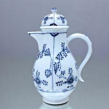 Meissen um 1800: Kaffeekanne Gebrochener Stab, Strohmuster Strohblume Blau Kanne