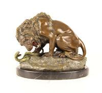 9973284-dss Bronzo Scultura Lion con Serpente Colorato 19 x 29 x 24 CM