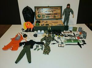 GI Joe Vintage Wooden Foot Locker with 82 accessories & GI Joe 1964 Hasbro