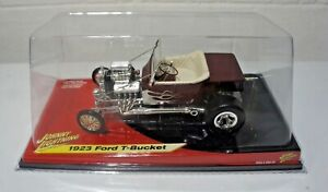 Johnny Lighting 1923 Ford T-Bucket Red with White Flames 1:18 Scale NEW