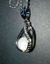 Pearl inspired treasured necklace with chain! Beautiful gift :)