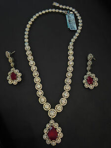 32.46 Carats Round Brilliant Cut Diamonds Ruby Necklace Earrings Set In 14K Gold