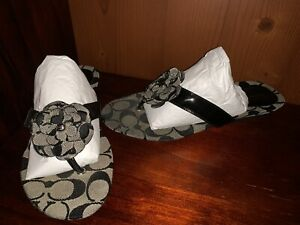 USED COACH WOMEN'S SANDALS BLACK SIZE 7.5 GREY FLOWERS CUTE! PERFECT NO BOX
