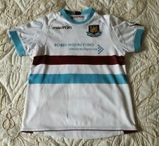 WEST HAM MACRON BOBBY MOORE FOOTBALL SHIRT  TOP  SIZE SMALL CHILD
