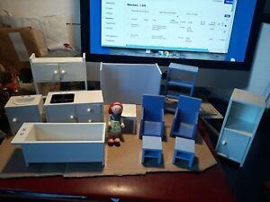 Lot de miniatures IKEA jouets meubles  (maison de poupées)