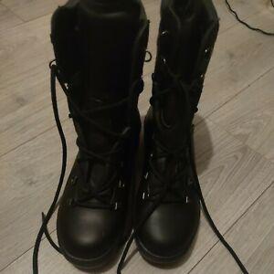 NEW size 9m goretex vibram military boots vibram sole
