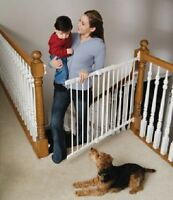 Kidco Angle-Mount Hardware Mounted Stairway Baby Child Safety Gate, White G2100