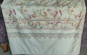 V&A Kingsize Duvet Cover, 2 Matching Pillowcases and Pair Matching Curtains
