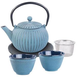 Tee Service: Asiatische Teekanne, Untersetzer und 2 Becher aus Gusseisen, blau