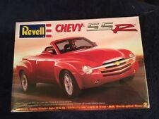 REVELL 85-7691 CHEVY SSR 1/25 SCALE MODEL KIT FS