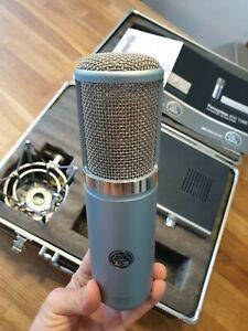 AKG Perception 820 Tube_Großmembran Kondensator Röhrenmikrofon (ohne Kabel)