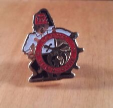 Masonic Lapel Pin International Commodore I.A. S. Y. C. '93 Black White Red