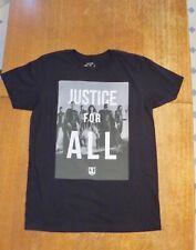 Justice League Super Heroes T-Shirt Size Medium Batman Aquaman Wonder Woman