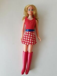 Vintage Controversial Barbie Growing Up Skipper #7259 Red Body Blouse Mini Skirt