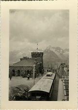PHOTO ANCIENNE - VINTAGE SNAPSHOT - PETIT TRAIN TOURISTIQUE MONTAGNE SOMMET 1952