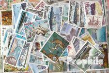 Motives 100 différents timbres  Navires et bateaux dans complet Dépenses