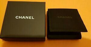 """CHANEL, Earrings Gift Box with pouche , size: 85x85x35mm """"Empty"""" Used"""