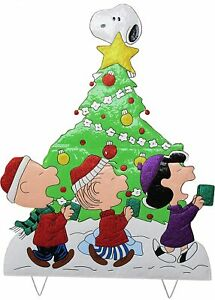 "42"" Peanuts Gang Caroling Around Christmas Tree Christmas Decor Hammered Metal"