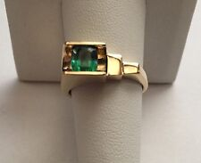 14K Pure Solid Gold Ring with Green Sapphire Solitaire Unique Design Size 8.25