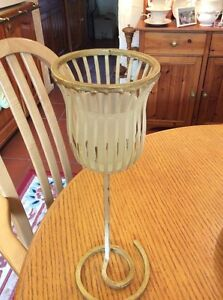 A CREAM AND GOLD SHABBY CHIC CANDLE HOLDER #C