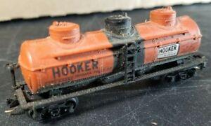N2 N Scale TRAIN CAR Knucklers  HOOKER TANK CAR TANKER ORANGE BLACK
