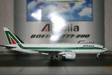 Gemini Jets 1:400 Alitalia Boeing 777-200 I-DISA (GJAZA998) Die-Cast Model Plane
