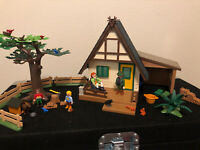 VINTAGE RARE PLAYMOBIL 4207 FOREST ANIMAL LODGE w/ box & instructions
