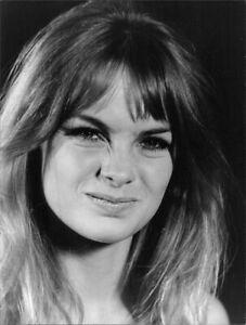 Jean Rosemary Shrimpton given facial expression 8x10 photo