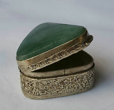 Vintage*PILL BOX*TRIANGLE SHAPE*GREEN STONE*HINGED LID*SILVER TONE*GORGEOUS*RARE