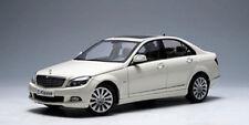 1:18 AutoArt MERCEDES-BENZ CLASSE C Limousine ELEGANCE 2007 blanc #76262