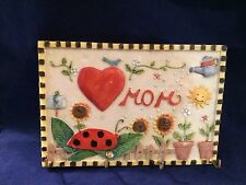 """MOM"" Ceramic Key Hanger With Garden Art New in Box 7 1/2"" x 5"""