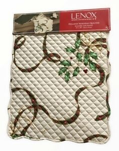 Lenox Christmas Nouveau Quilted Reversible Plaid Holly Ribbon Table Runner 14x36
