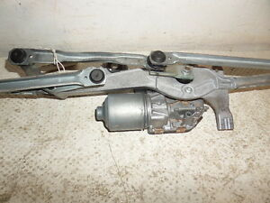 VAUHALL ASTRA GTC FRONT WIPER MOTOR WITH LINKAGE 2016 FREE P&P