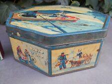 Ancienne rare boîte à biscuits octogonale tôle décor voiture à chien, campagne