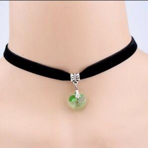 Black Velvet Choker w/ Green Heart Pendant Gothic Punk Necklace 85-1