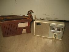 1950s SANYO 8 TR DELUXE ALL WAVE TRANSISTOR RADIO INC CASE