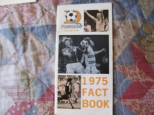 1975 DALLAS TORNADO MEDIA GUIDE Yearbook NASL Soccer Fact Book Press Program AD