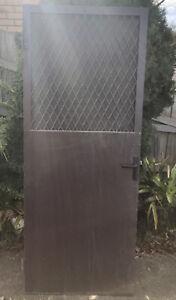 Fly screen door NO KEY  85 cms (width) x 204 cms (height) x 2 cms (depth