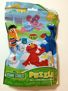 Sesame Street Puzzle On The Go 24 piece resealable bag 15x11.25 in NEW